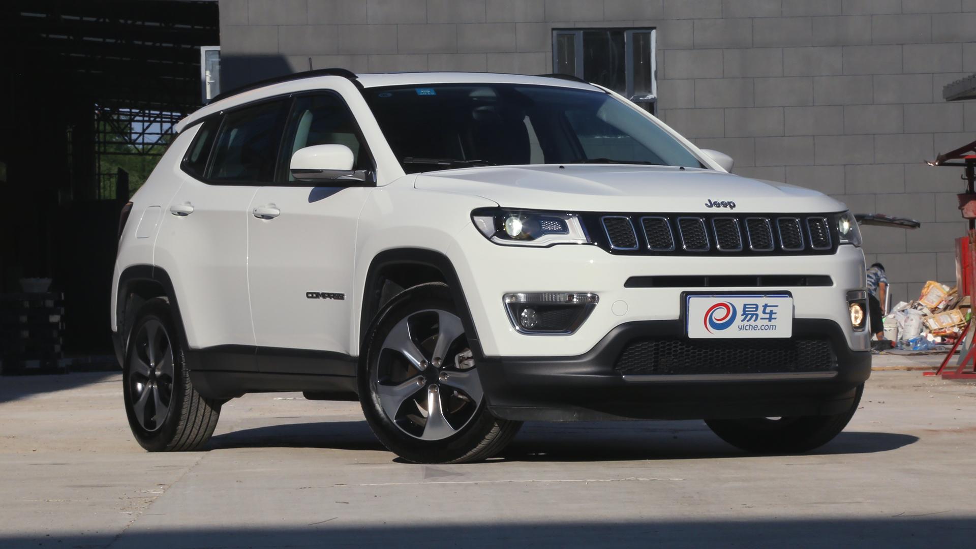 2017款 Jeep自由光 2.4L 优越版